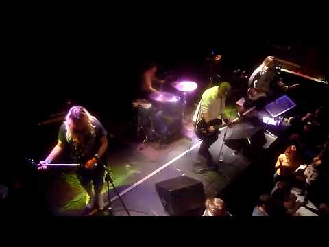 the-junkie-men-(rancid-tribute)---fall-back-down-(live-in-montreal)