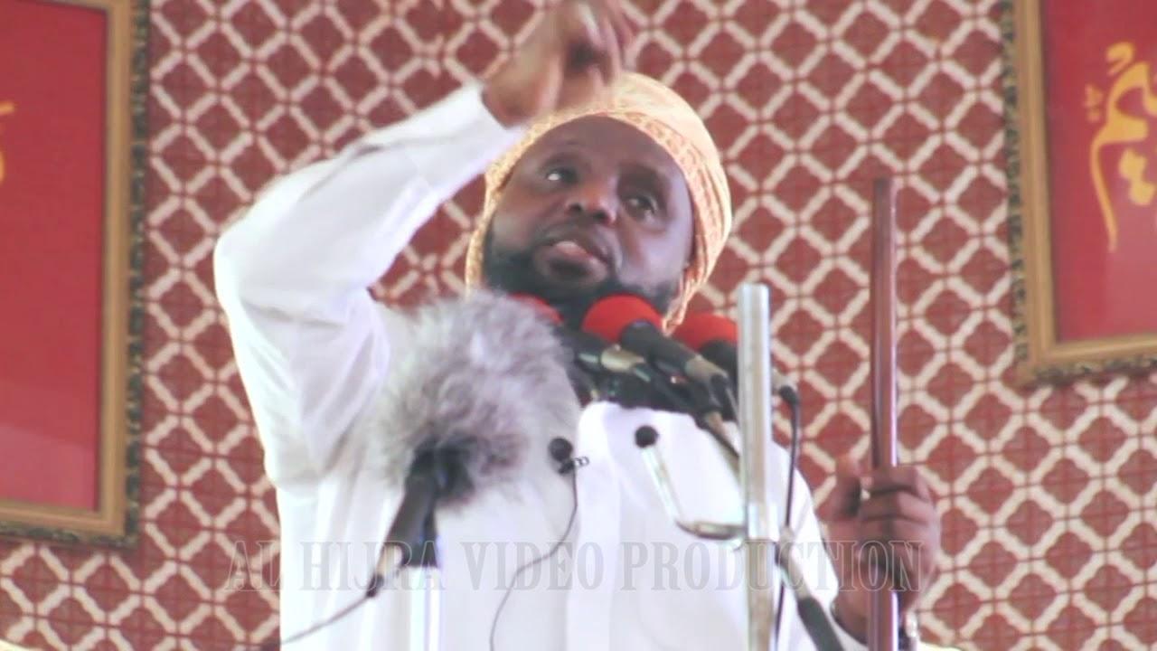 Download FADHILA ZA KUMSWALIA MTUME MUHAMMAD (S.A.W)