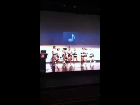 Laguardia community college cheerleaders!