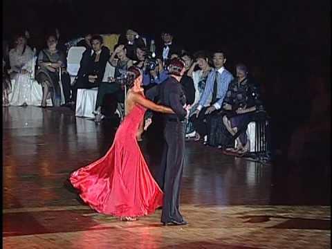 Slavik Kryklyvyy & Karina Smirnoff   Dance WSSDF2004