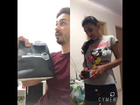 Carlinhos Maia  dá Iphone a Branca