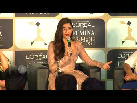 Hot Sonam Kapoor at L'Oreal Paris Femina Women Awards 2015 - Part 2