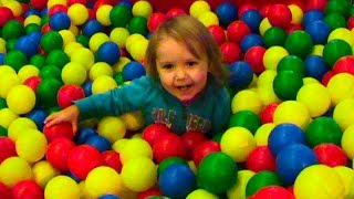 Леопарк детский развлекательный центр Leopark divertissement actif aire de jeux(Miss Katy активно проводит время на горках и батутах детского развлекательного центра Леопарк Спасибо, что..., 2014-12-09T16:16:08.000Z)