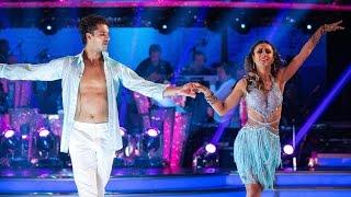 Anita Rani & Gleb Savchenko Samba to 'Hips Don't Lie' - Strictly Come Dancing: 2015