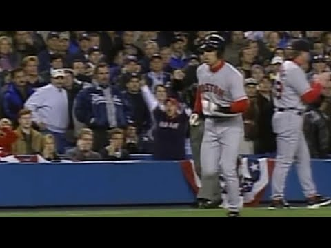 2003 ALCS Gm6: Garciaparra triples, scores on error