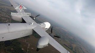 Кадры первого полета шеститонного беспилотника нового поколения опубликовало Минобороны.