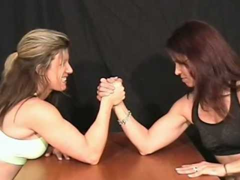 Shannan vs Diana Armwrestling