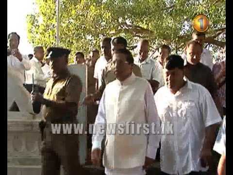 08th January 2015 - Presidential candidate Maithripala Sirisena exercises his franchise in Polonnaru