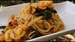 Spaghetti con agretti e mazzancolle