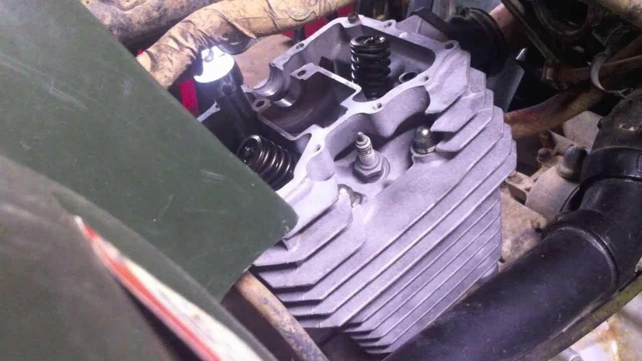 how to honda 300 cylinder and head installation youtube honda 300ex engine diagram also honda rincon 680 as well 2002 honda source honda rancher 350 fuel  [ 1280 x 720 Pixel ]