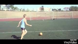 Закрутак мяча и удар с навеса