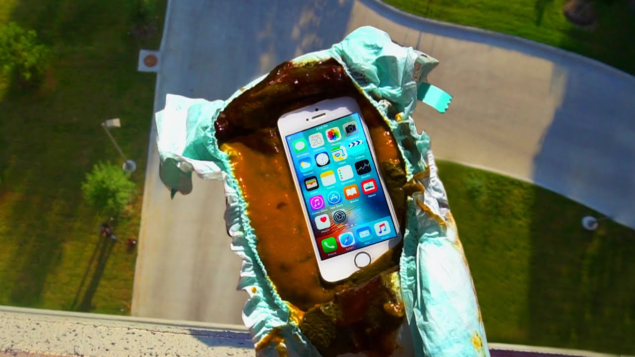 can a dirty diaper protect iphone se from a 100 ft drop test gizmoslip youtube. Black Bedroom Furniture Sets. Home Design Ideas