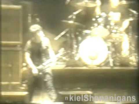 Green Day - Fashion Victim live @ Fukuoka, Japan 2001
