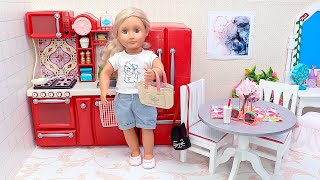 Our Generation organizes food in fridge toy after grocery shopping - Play Dolls!