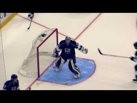 Jonathan Quick warms up during the Sabres @ Kings hockey game