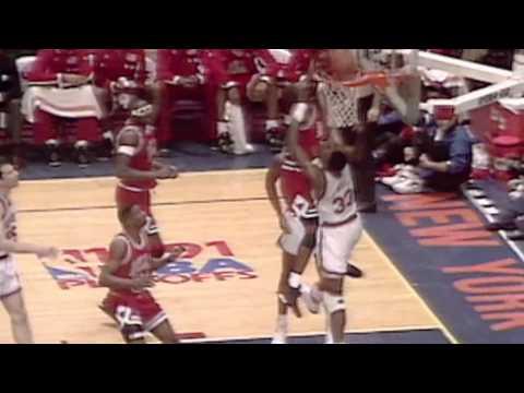 michael-jordan's-favorite-dunk-posterizing-patrick-ewing