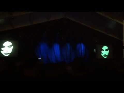 """Marillion Port Zelande 2013 - Michael Hunter's """"River - VII"""" starts the """"Brave"""" show"""