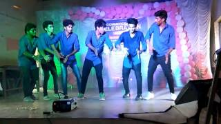 College funny dance by universal college