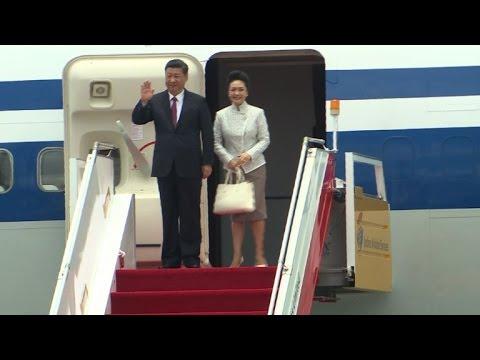 Presidente da China visita Hong Kong