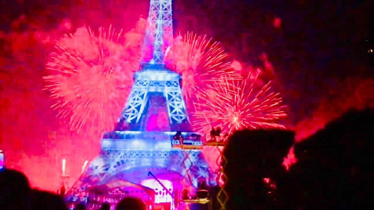 14th july eiffel tower firework amazing display bastille day paris