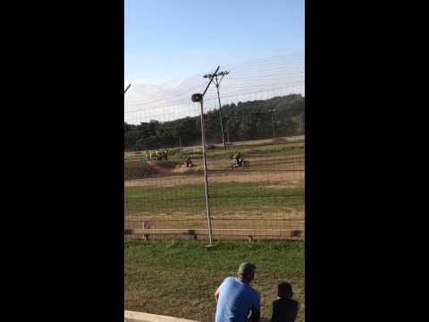 Latrobe Speedway Battle Cr250r two stroke vs kx450 four stroke