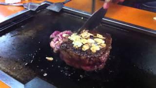 日暮里の鉄板焼き屋、大木屋で出てくるお肉.