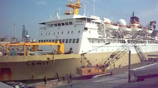 Pelni Ship KM Lawit klakson 3x Mau Berangkat