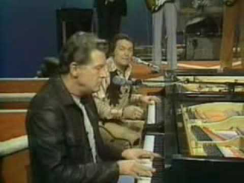 Jerry Lee Lewis & Mickey Gilley - 9 minutes of POP GOES COUNTRY.