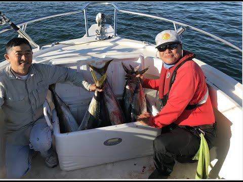 SMALL BOAT OFF SHORE TUNA FISHING!