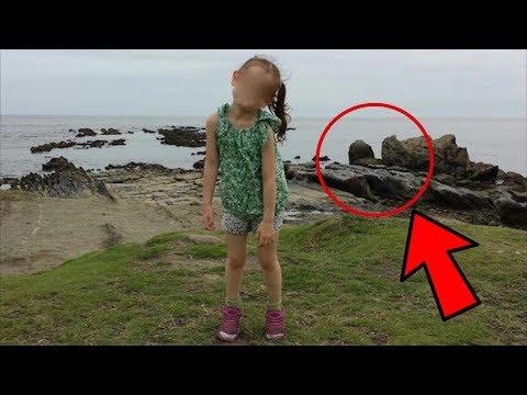 Le Tomó una Foto a su Hija y cuando Descubrió lo que Había Detrás NO lo Podía CREER