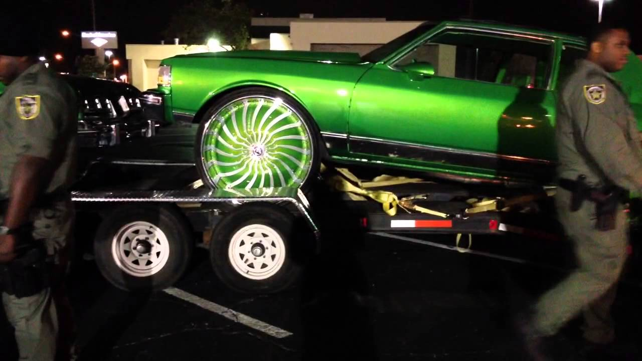 "84 Candy Green Box Chevy on 32"" Forgiato Magro's - YouTube"