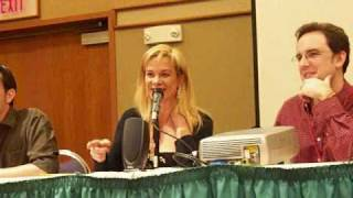 Chase Masterson sings at Phoenix Comicon 2009