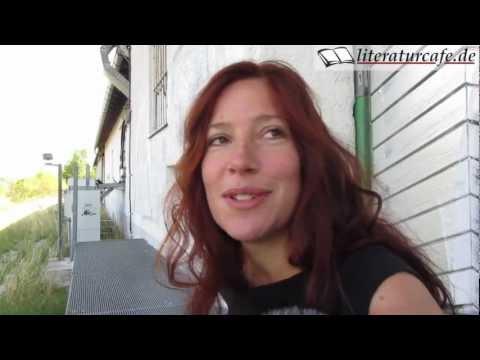 Die Schüchternheit der Pflaume - Ein Interview mit Fee Katrin Kanzler