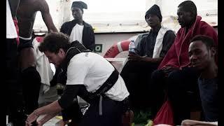 Aquarius rescue ship docks in Valencia, France to take in migrants,Hk Reading Book,