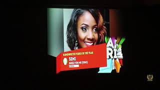 Simi picks up Songwriter of the Year at AFRIMA Awards 2017