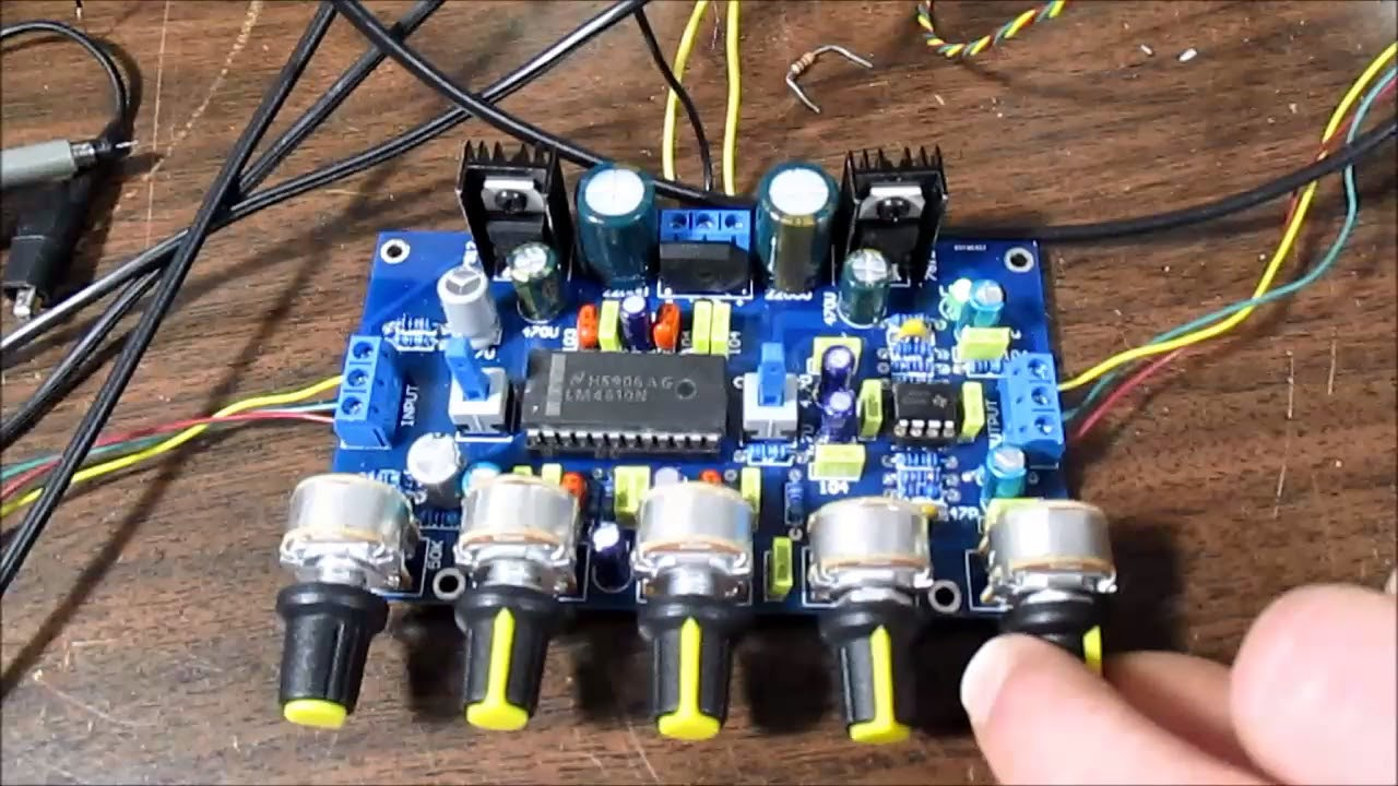 Low noise tone control preamplifier with loudness control stereo assembled !