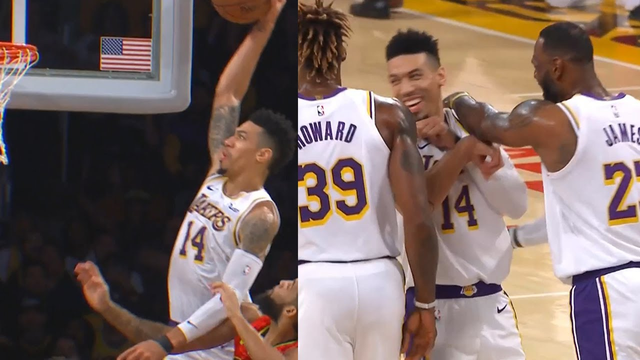 Danny Green Shocks Teammates After His Epic Dunk Lakers Vs Hawks Youtube