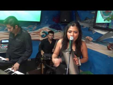 Gran ambiente en Restaurante Acapulco con musica en vivo de Propuesto de Mexico