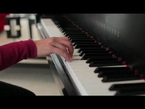 How To Finger Fast Runs On A Piano Piano Lessons Youtube