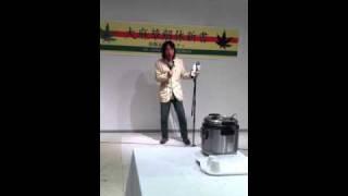 """2011年4月26日銀座ソトコトロハスで開催された""""大麻草解体新書 出版記念..."""