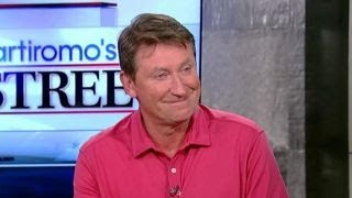 Wayne Gretzky looks to promote hockey in China