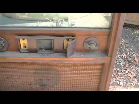 15 Vintage TVs and Radios Pickup Adventure
