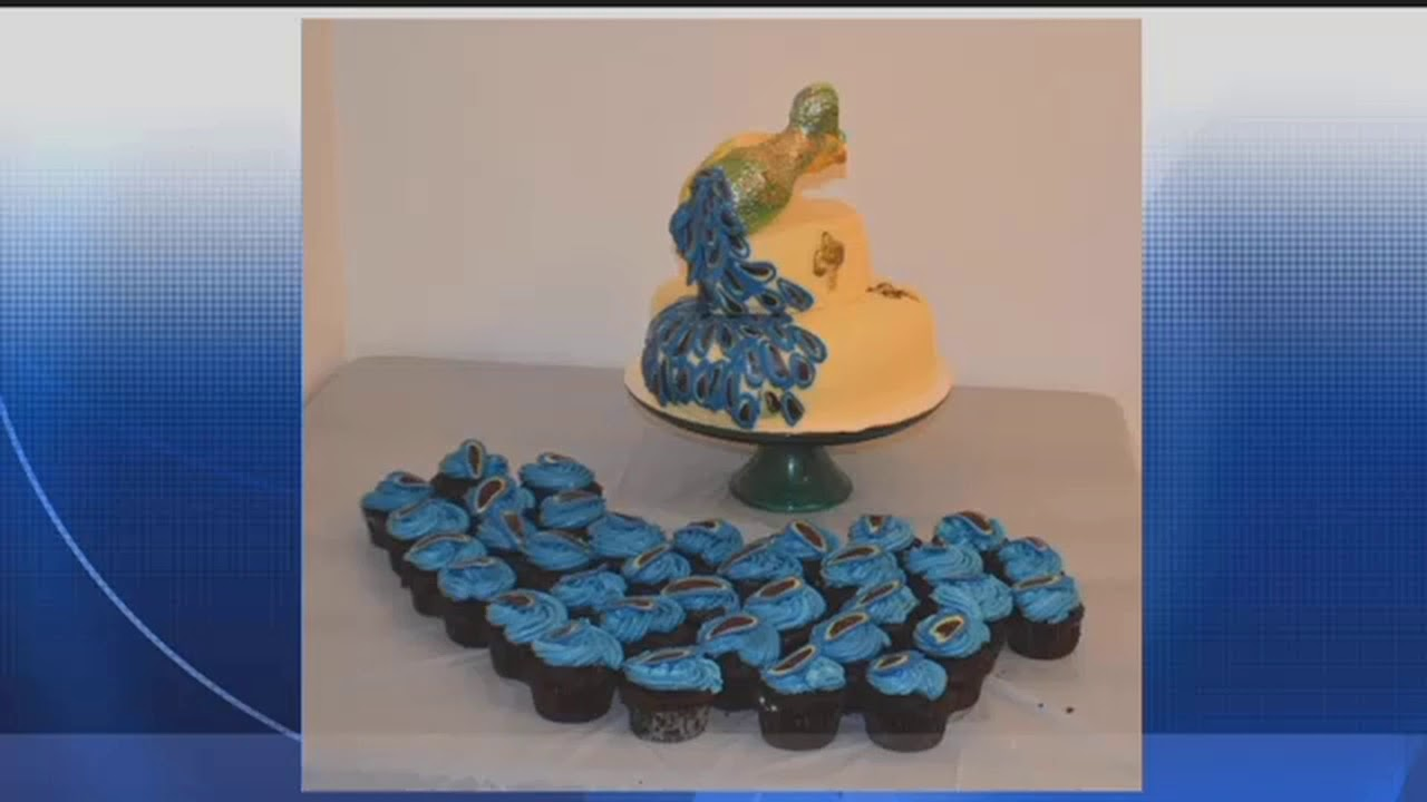 Wedding Cake Meant To Look Like A Peacock Fails In Execution Youtube