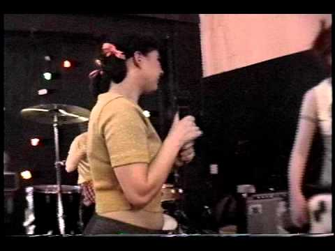 Bikini Kill @ The Macondo. Los Angles, Ca 4/25/93