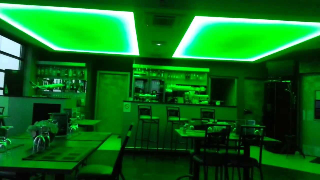 Plafond tendu lumineux a t l commande for Bandeau lumineux plafond