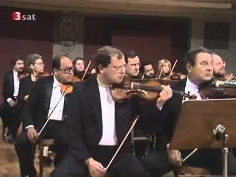 Tchaikovsky Piano Concerto No.1 in Bb minor -  Ilana Vered (1/3)