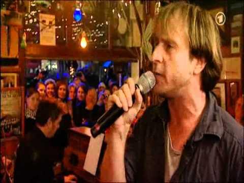Bjarne Mädel und Ina Müller singen...