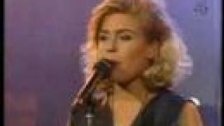 Pernilla Wahlgren & The Boppers - The Locomotion / Shoop Shoop Song