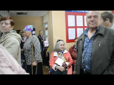 По 2-3 часа ждут очереди в кассу по оплате услуг ЖКХ жители Бердска