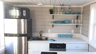 35' Tiny House That Sleeps 6 People